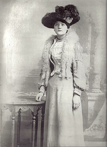 May Hannah Lee print photographs